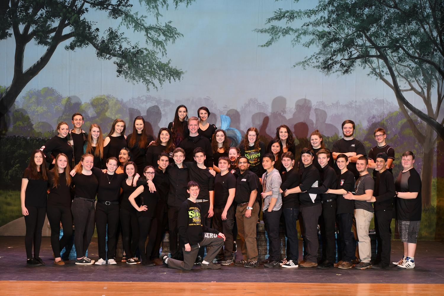 The+hardworking+stage+crew+from+the+Spring+musical+%E2%80%9CMary+Poppins%E2%80%9D+is+ready+for+their+turn+in+the+spotlight.