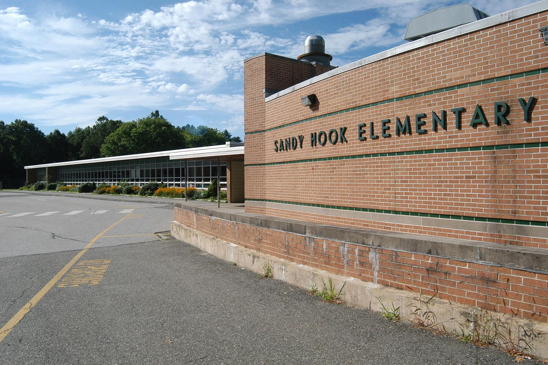 Il massacro alla Sandy Hook Elementary School è un evento avvenuto il 14 dicembre 2012 presso la Sandy Hook Elementary School situata a Sandy Hook borgo della